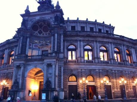 Semperoper-dresden in Dresden – Eine Reise ins schöne Elbflorenz