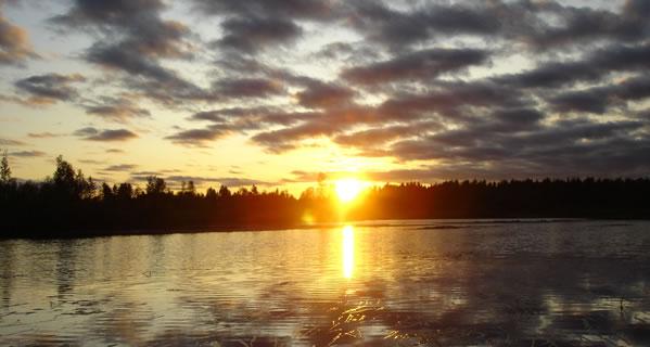 Sonnenuntergang-auf-finnisch in Suomi - Urlaub im Nokia-Land
